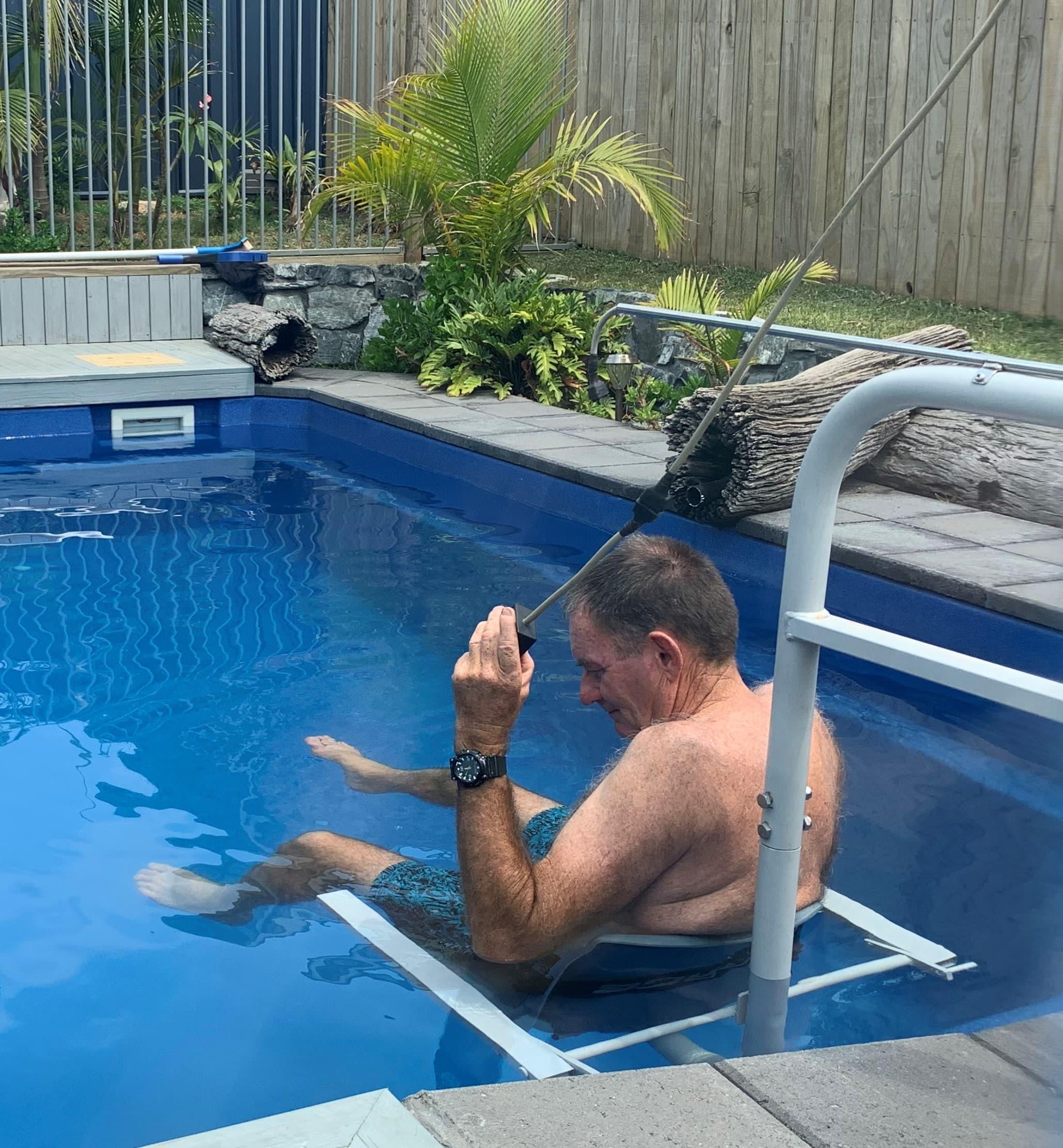 Accessible pool hoist